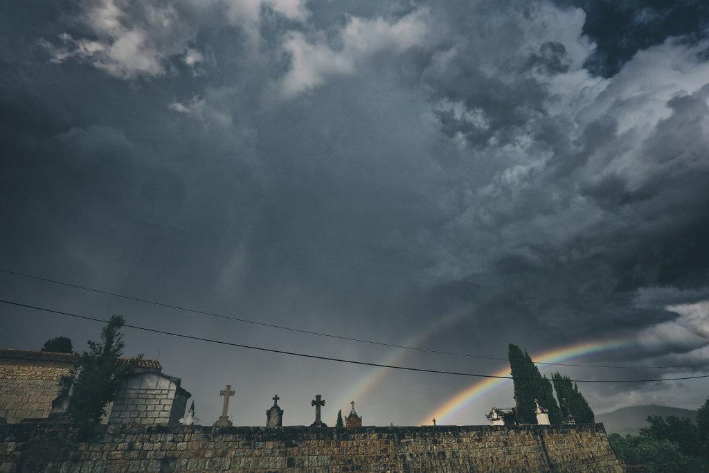 Cimetière après l'orage